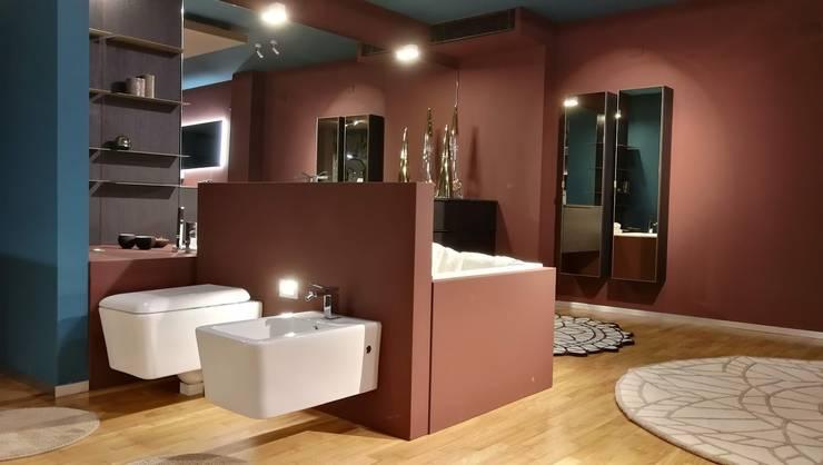 Arredamento Bagno: Bagno in stile  di Formarredo Due design 1967