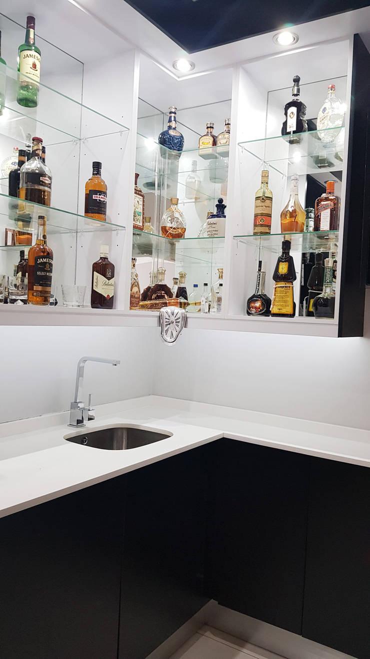 Bar wall unit lighting:  Kitchen units by ilisi   Interior Architectural Design,