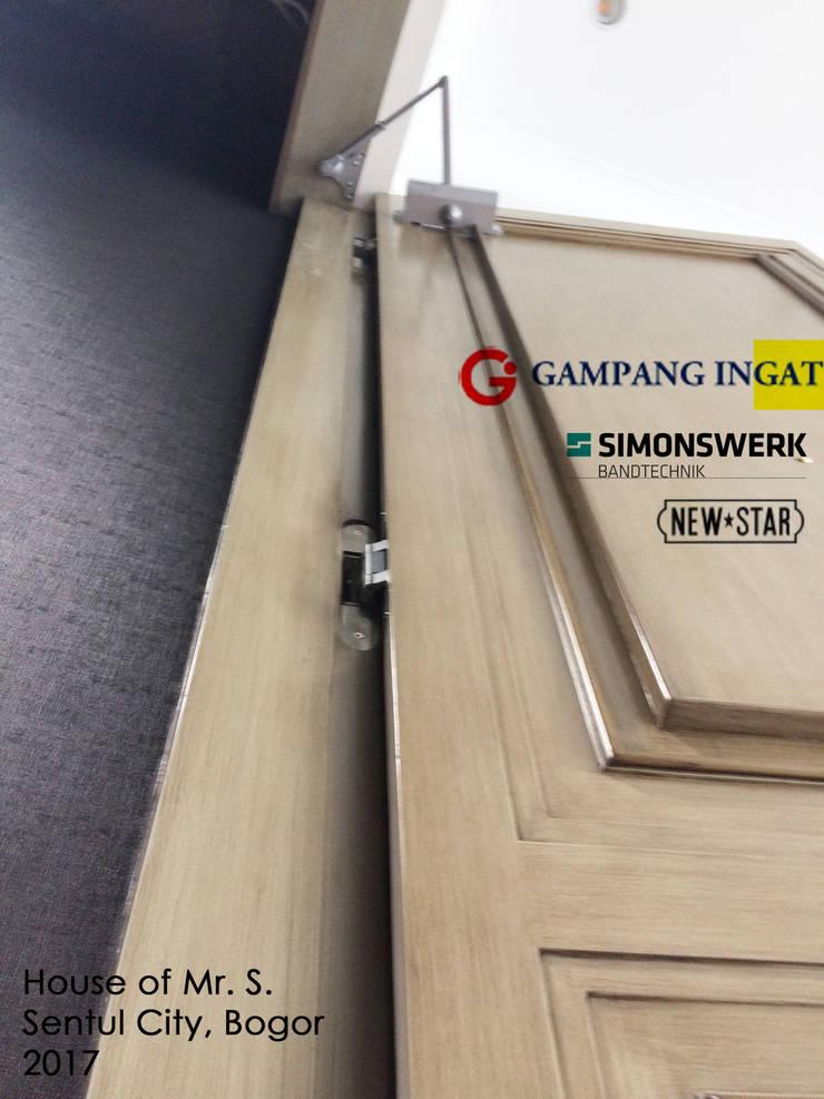 Hidden Door (Pintu Rahasia):  Windows & doors  by Gampang Ingat