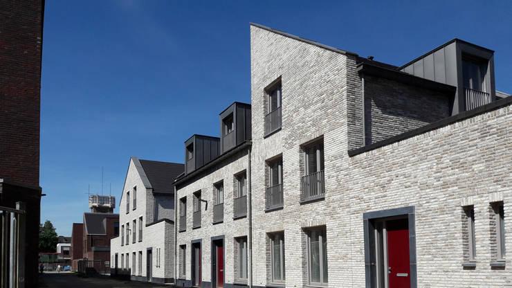 Woningbouw Lindenkruis Fase 1, Maastricht:  Huizen door Verheij Architecten BNA, Modern