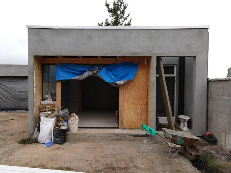 Construcción dormitorio:  de estilo  por RHA Arquitectura + Construcción