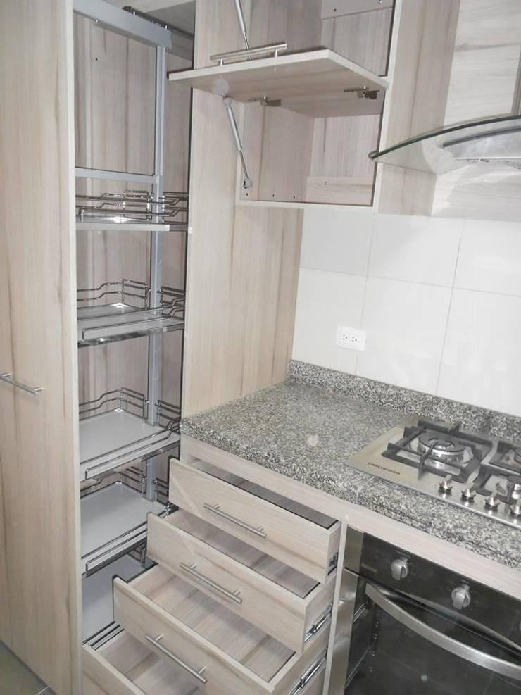 Remodelación cocina: Cocinas de estilo  por Maestro Arte & Construcción
