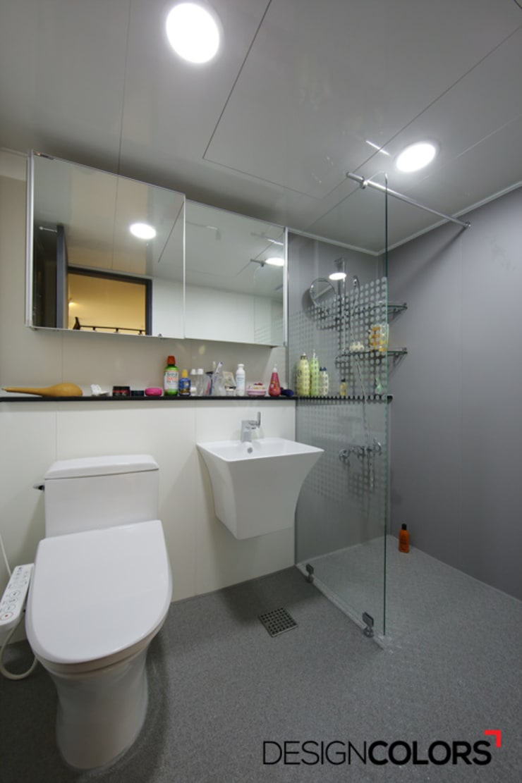 Bathroom by DESIGNCOLORS