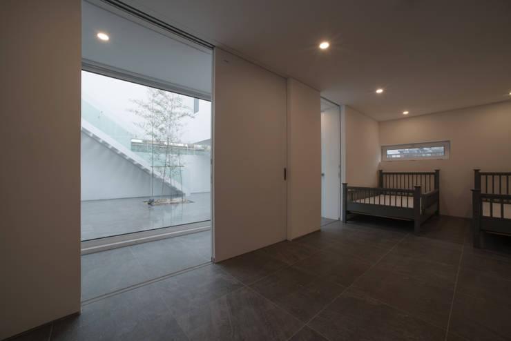 Nursery/kid's room by ARCHIRIE