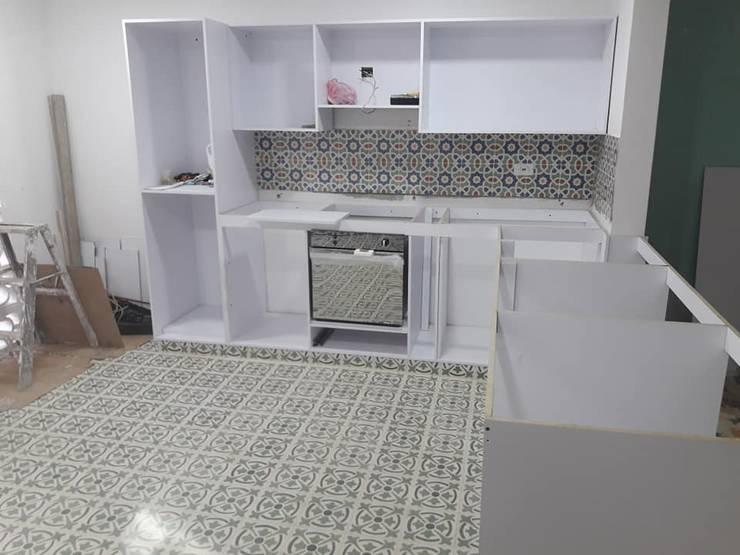 Proyecto de cocina:  de estilo  por Arquitectura e Ingenieria GM S.A.S