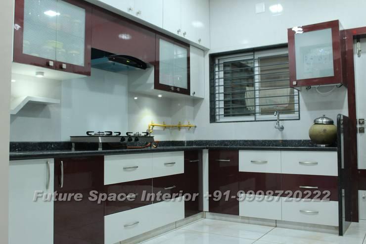 Kitchen Design Ideas:  Kitchen by Future Space Interior