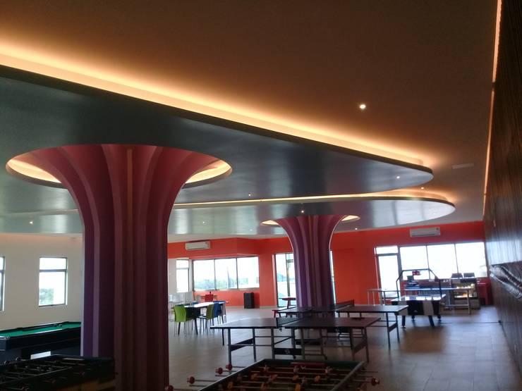 Ecoles modernes par SG Huerta Arquitecto Cancun Moderne Béton
