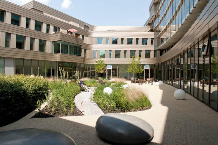 Senior living:  Clinics by Andredw van Egmond  |  designing garden and landscape