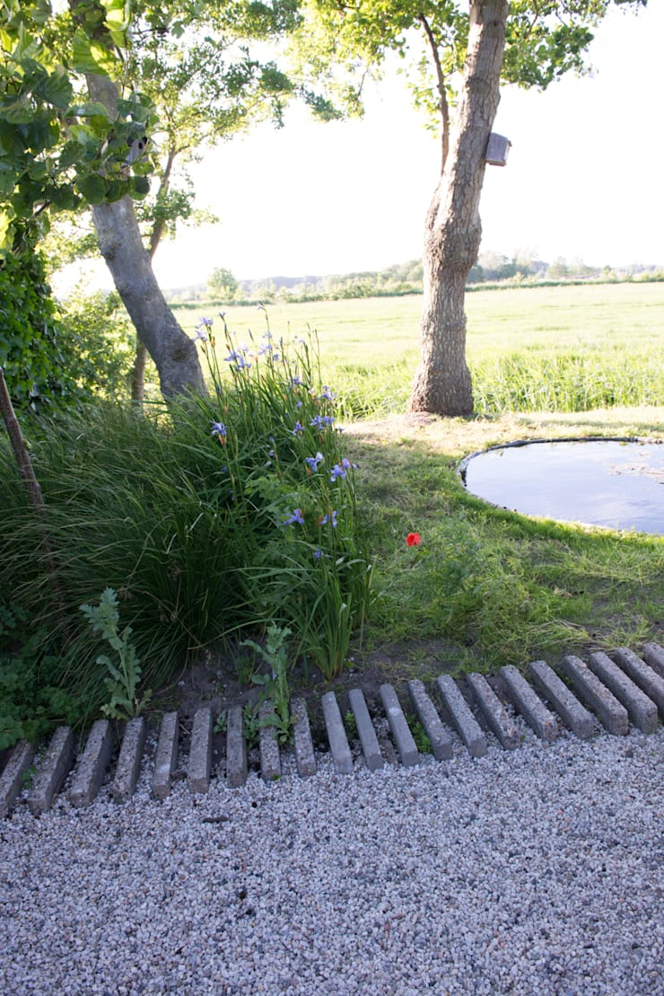 ​Cabin in the fields:  Garden by Andredw van Egmond  |  designing garden and landscape