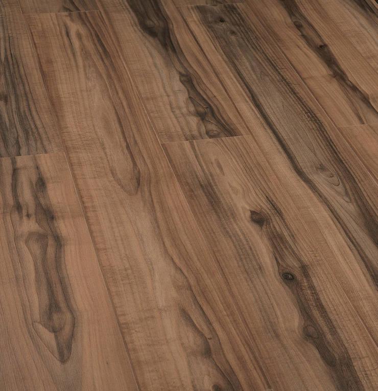 Thi công sàn gỗ Malaysia tại chung cư Ngoại Giao Đoàn:  Multimedia room by Sàn Gỗ 9X
