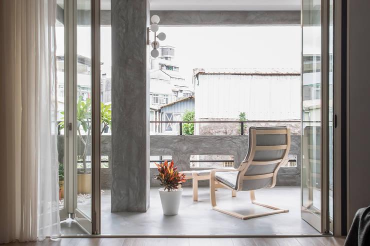 بلكونة أو شرفة تنفيذ 湜湜空間設計