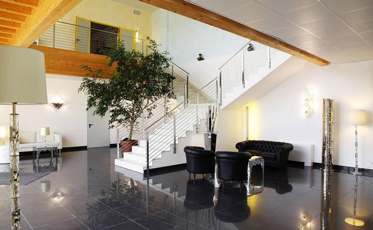 IDL燈具:意大利現代客廳裝飾吊燈,時尚品質設計:  客廳 by 北京恒邦信大国际贸易有限公司