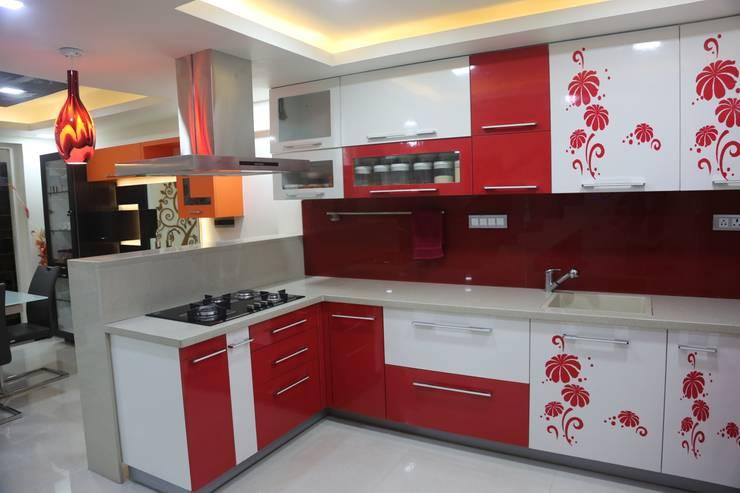 Kitchen by Vdezin Interiors