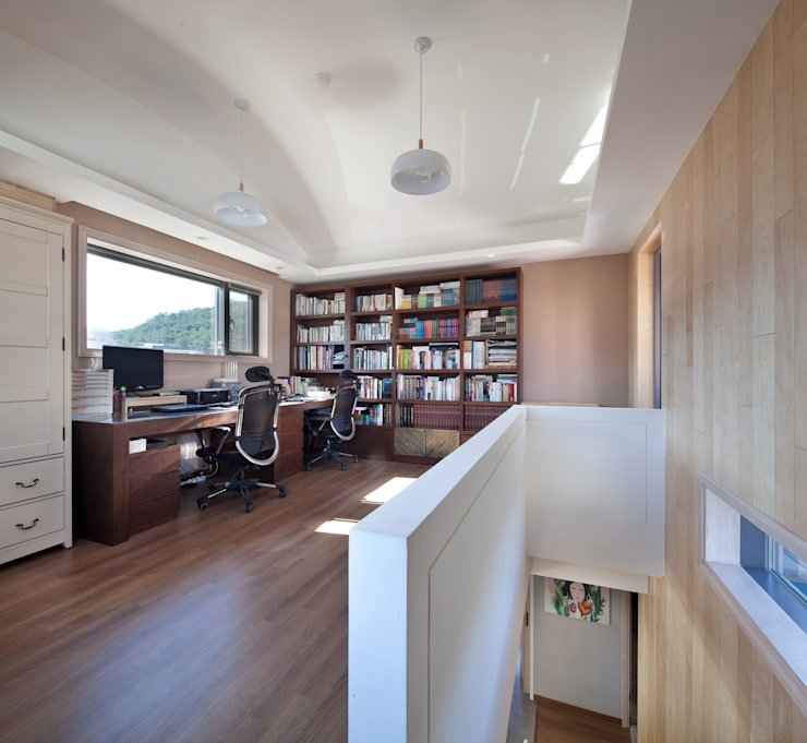 서재: 건축사사무소 에이플랜의  ,