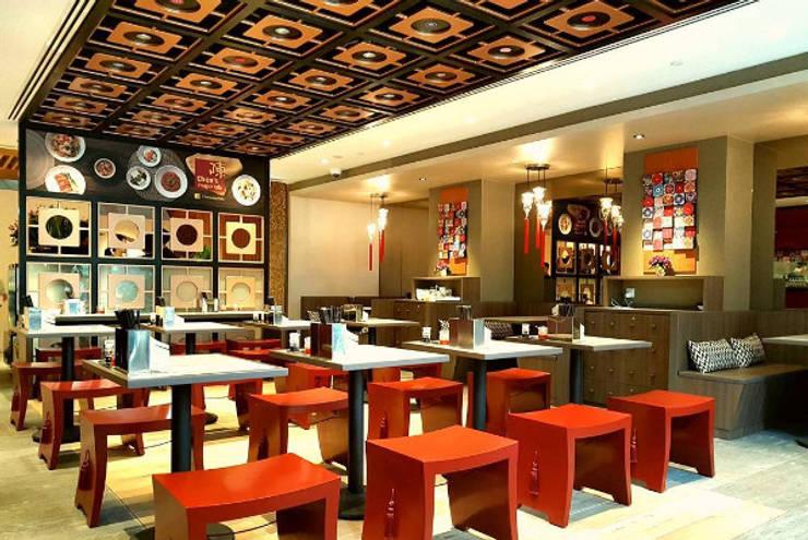 Area Makan 2 :  Restoran by Bobos Design