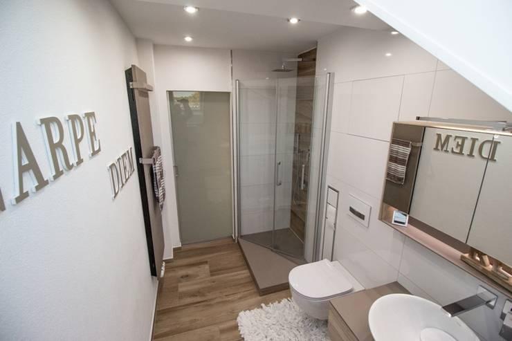 Schon wieder ein fertiges Bad!!!:  Badezimmer von Bad Campioni