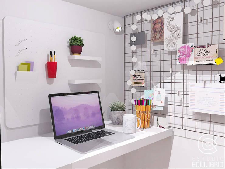 Proy Jasmine Market: Estudios y oficinas de estilo  por Estudio Equilibrio,