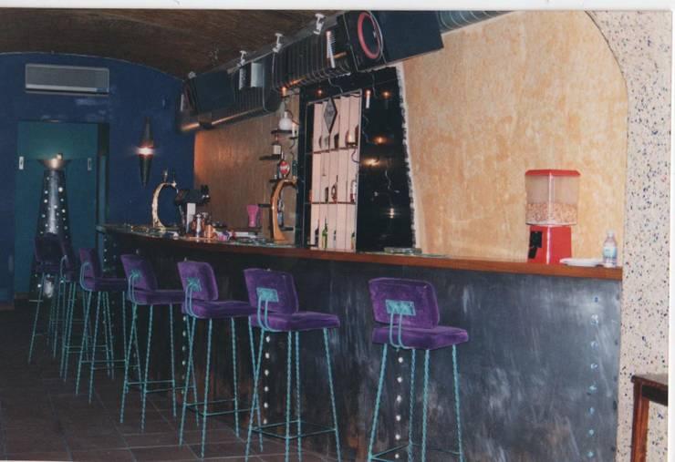 Bares y Clubs de estilo  de Atelier  Ana Leonor Rocha , Industrial