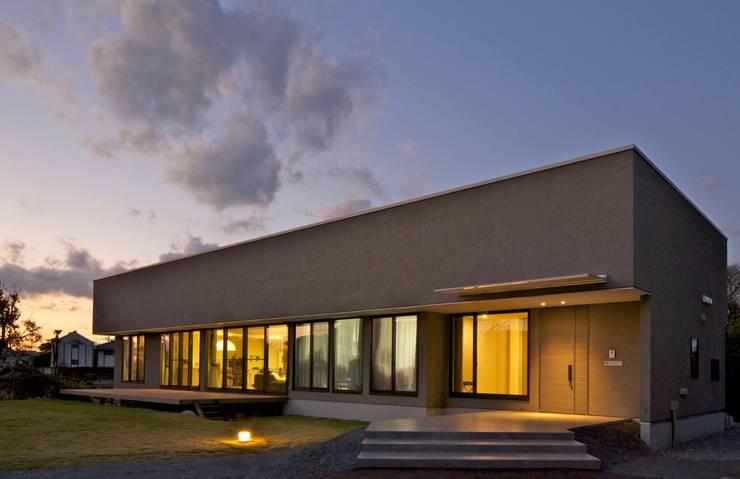 Nhà cho nhiều gia đình theo JWA,Jun Watanabe & Associates, Hiện đại