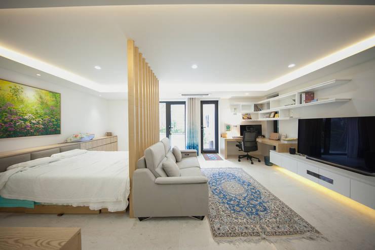 Camera da letto in stile  di designforn