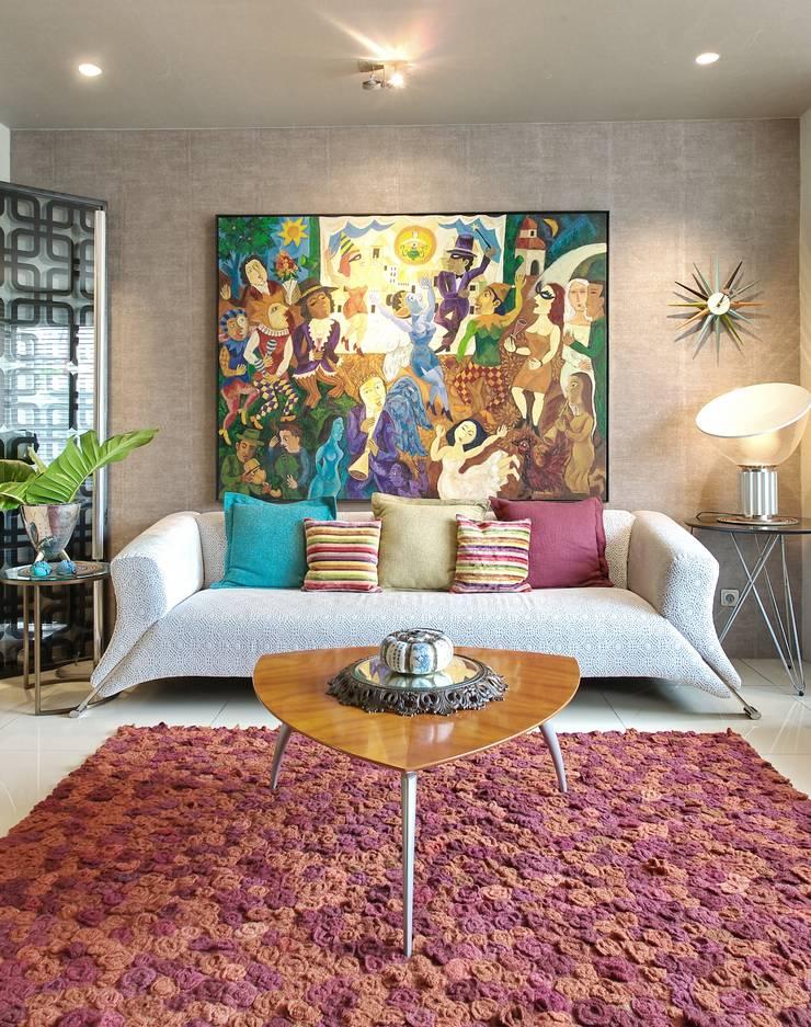 Residence – Bobos :  Ruang Keluarga by Bobos Design