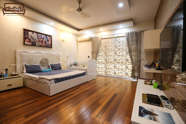 Bedroom by Woodofa Lifestyle Pvt. Ltd.