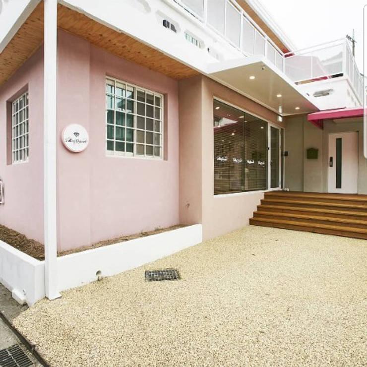 길월동 주택 리모델링 (추가): 건축일상의  주택,