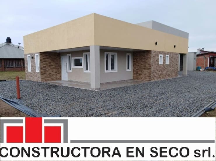 Casas de estilo  por Constructora en seco Carreras y asociados Srl., Moderno Hierro/Acero