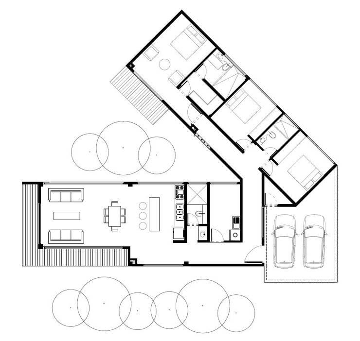 Casa de patio. Andrés Hincapíe Arquitectos:  de estilo  por Andrés Hincapíe Arquitectos  A H A