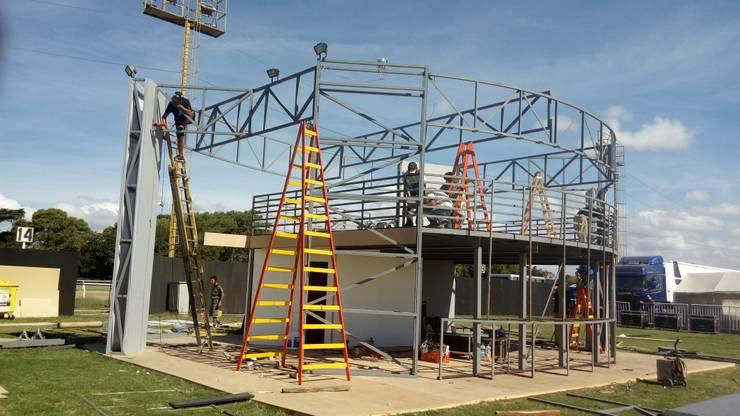 Proceso de construcción:  de estilo  por Faerman Stands y Asoc S.R.L. - Arquitectos - Rosario