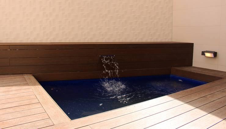 Garden Pool by Keinzo Interiores