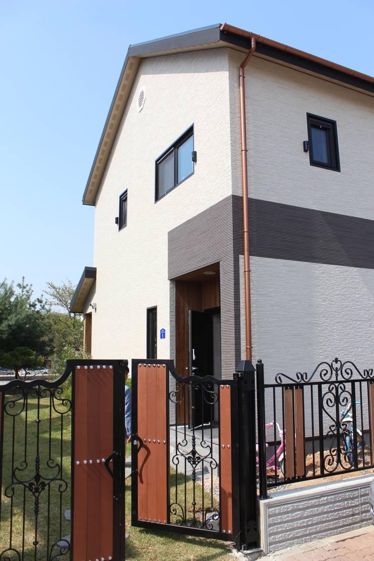 주택 외관: 나무집협동조합의  주택