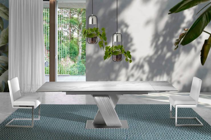 Mesa de comedor extensible con tapa de mármol cerámico de Angel Cerdá: Comedor de estilo  de ANGEL CERDA