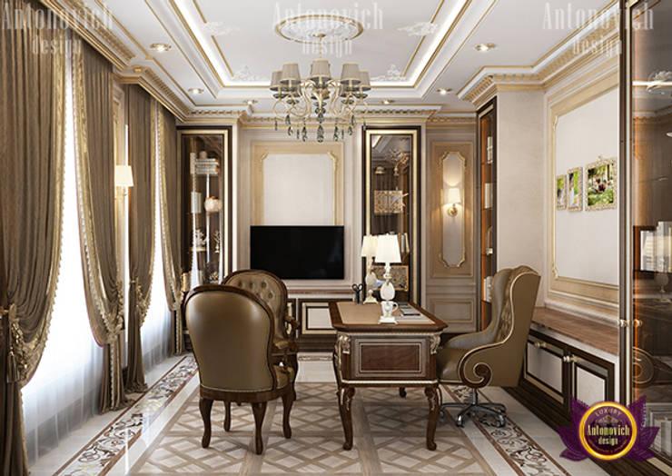 Classic Home Office Interior:   by Luxury Antonovich Design