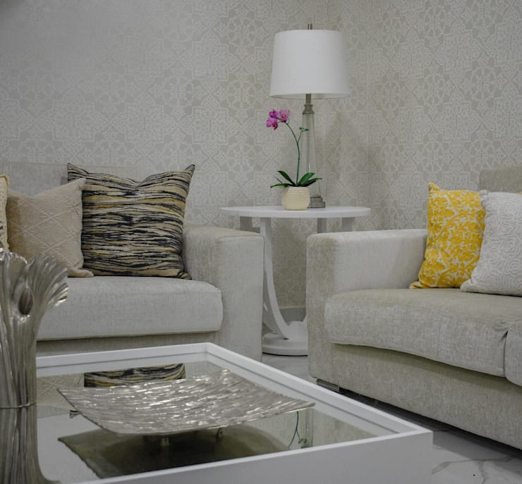 Multimedia room by Monica Saravia,