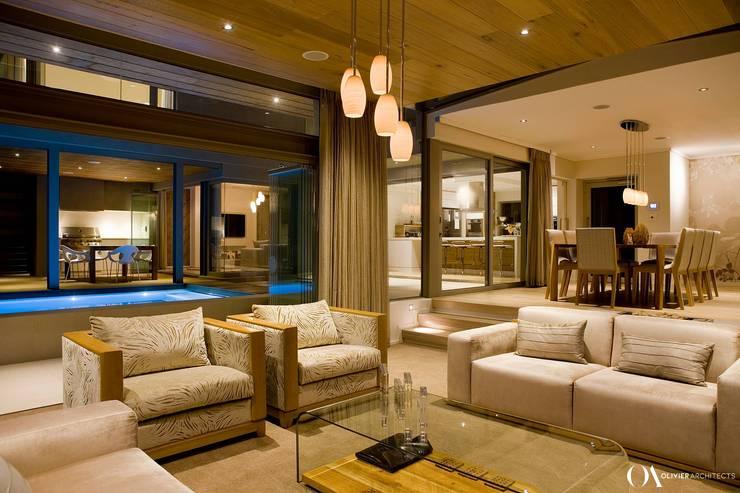 Salones de estilo  de Olivier Architects, Moderno