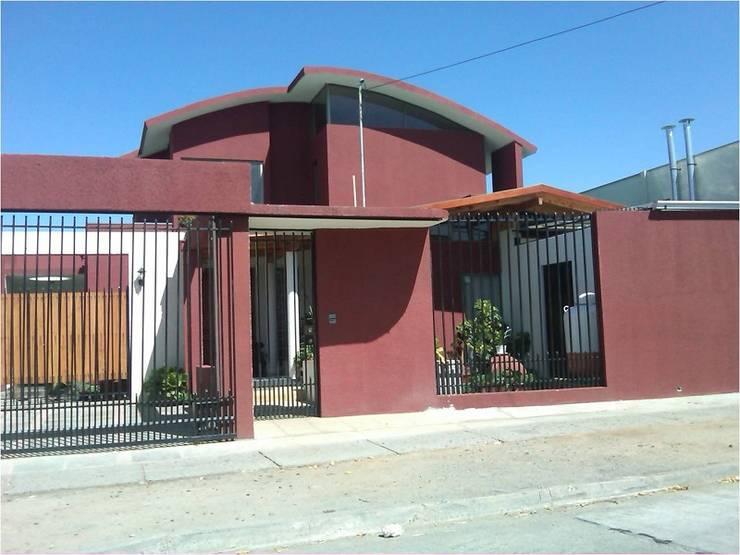 Casas: Cabañas de estilo  por eco cero - Arquitectura sustentable en Talca