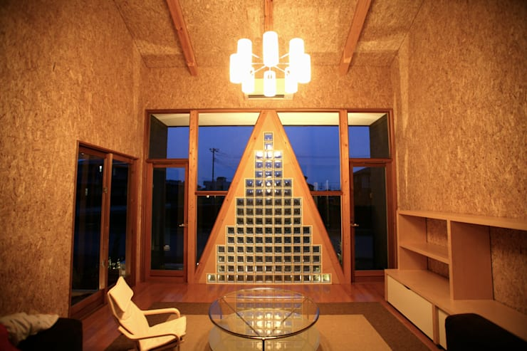 Living room by 株式会社高野設計工房, Modern