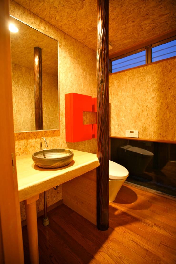 Bathroom by 株式会社高野設計工房, Modern