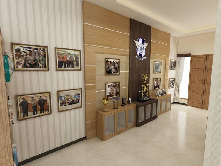 Interior Bp IP:  Koridor dan lorong by Arsitekpedia