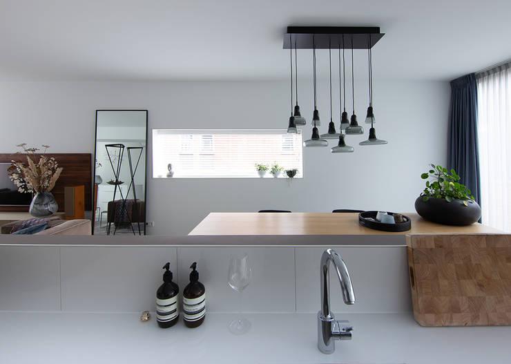 Comedores de estilo  por Regina Dijkstra Design