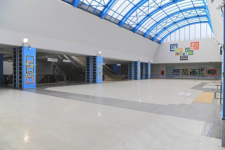 Centros de exhibiciones de estilo  por DESTONE YAPI MALZEMELERİ SAN. TİC. LTD. ŞTİ.