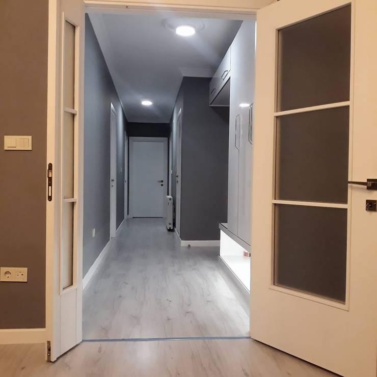 Corridor & hallway by Evde Mimar