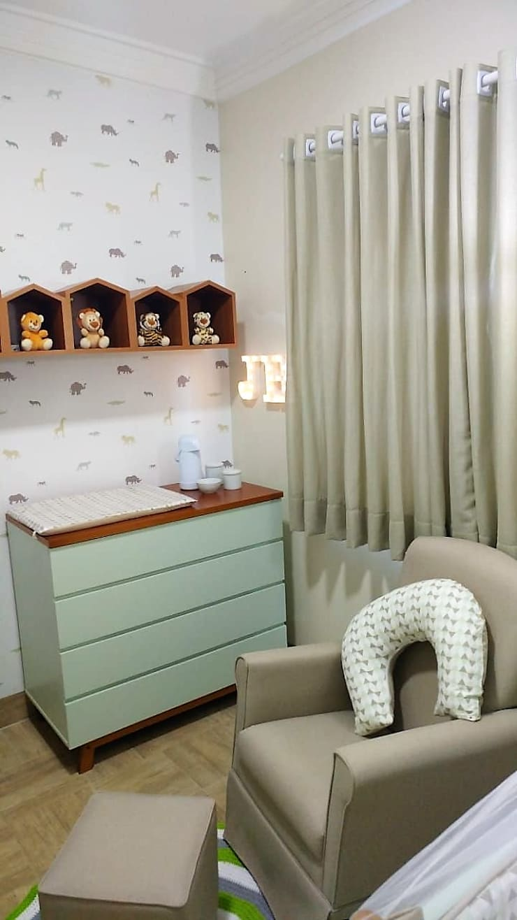 Small bedroom by Barbara Oriani Arquiteta