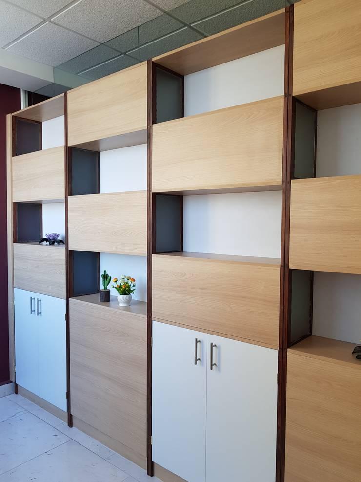 Bureau moderne par Arqca Moderne