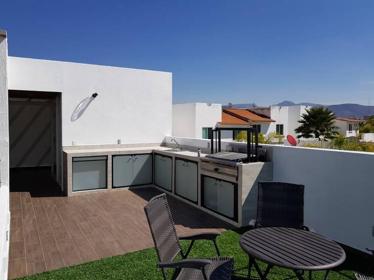 Terrace by Arqca, Minimalist