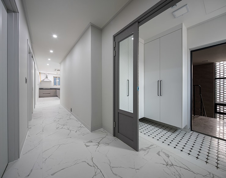 동탄2신도시 다가구주택: 삼공사건축사사무소의  복도 & 현관,
