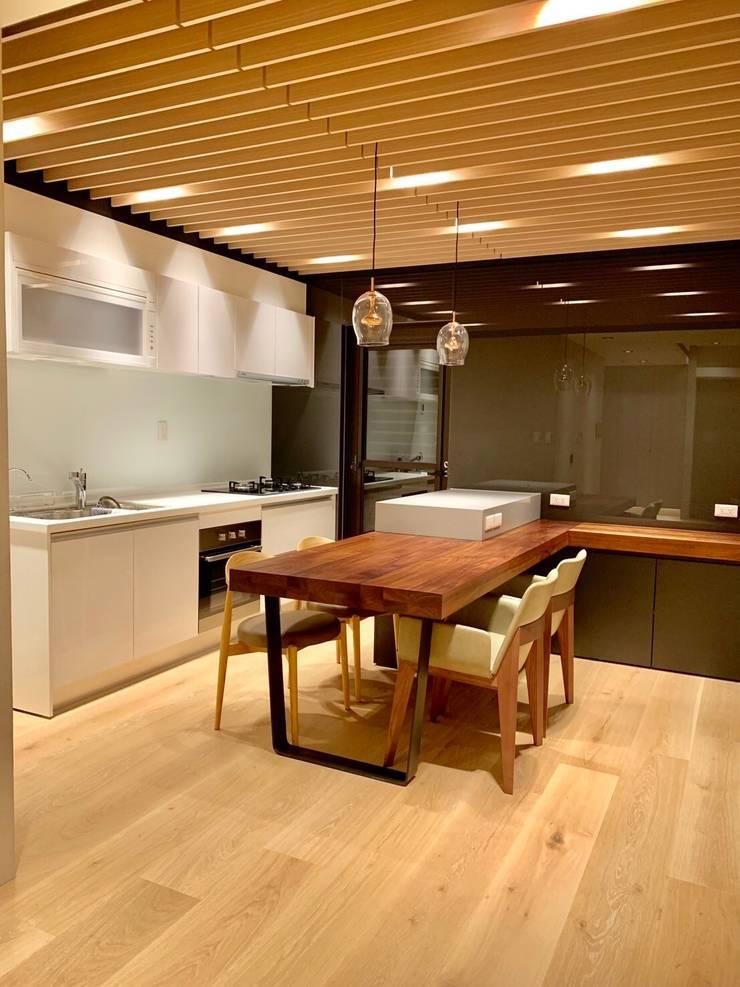 (省錢裝潢也能有高品味):  廚房 by 捷士空間設計(省錢裝潢)