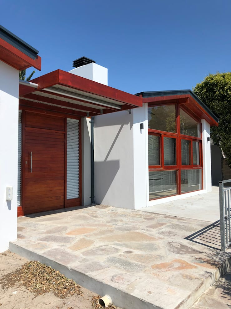 Barbosa Home:  Houses by Cornerstone Projects