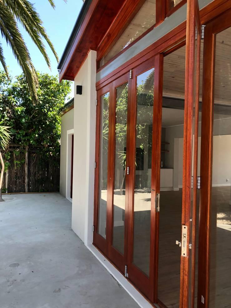 Barbosa Home:  Windows by Cornerstone Projects, Scandinavian